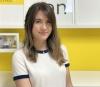 Elsa Alarcón, 25 bor i egen lägenhet i Teatinos i Málaga och jobbar med marknadsföring på ett stort möbelvaruhus. För att minska smittrisken träffar hon vänner varannan helg och familjen varannan helg.