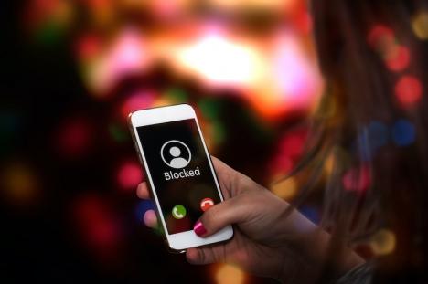 Mannen ringde sin före detta flickvän 107 gånger efter att hon gjort slut med honom. Även efter att hon blockat hans nummer fortsatte han ringa.