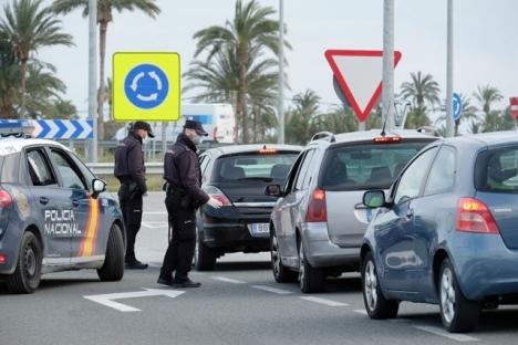 Poliskontrollerna är få men en majoritet av kommunerna på Costa del Sol befinner sig än så länge fortsatt i perimeterkarantän.