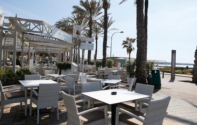En majoritet av krögarna på Mallorca vägrar öppna endast terrasser.