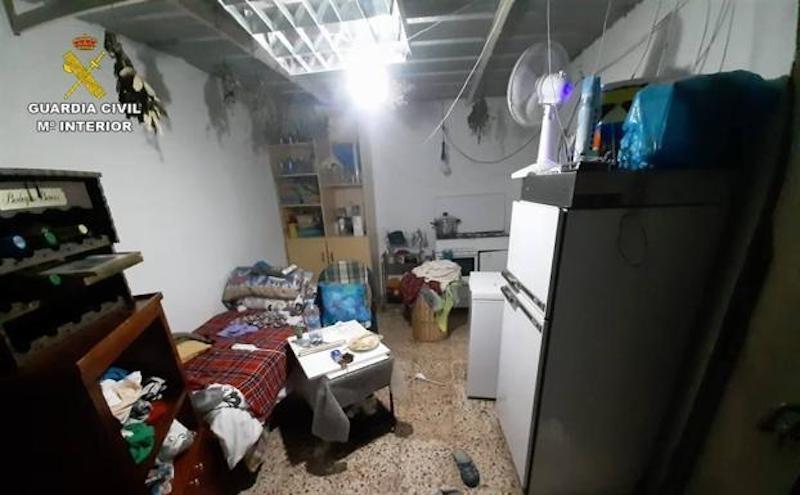 Kvinnan hölls fången i garaget under usla förhållanden och utan ventilation. Foto: Guardia Civil
