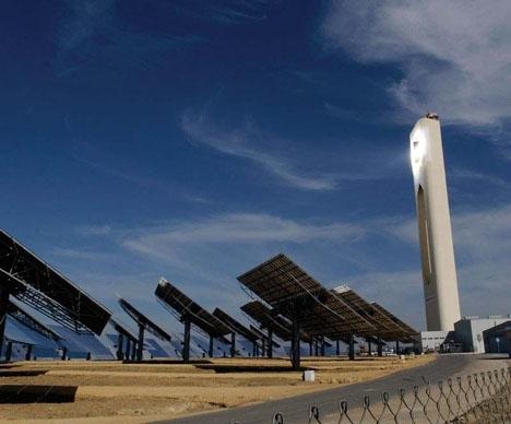 Abengoa har bland annat en jättelik solenergianläggning mellan Sevilla och Córdoba.