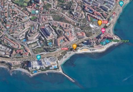 Playa de Torrevigía ligger precis öster om kasinot i Torrequebrada, Benalmádena. Foto: Google maps