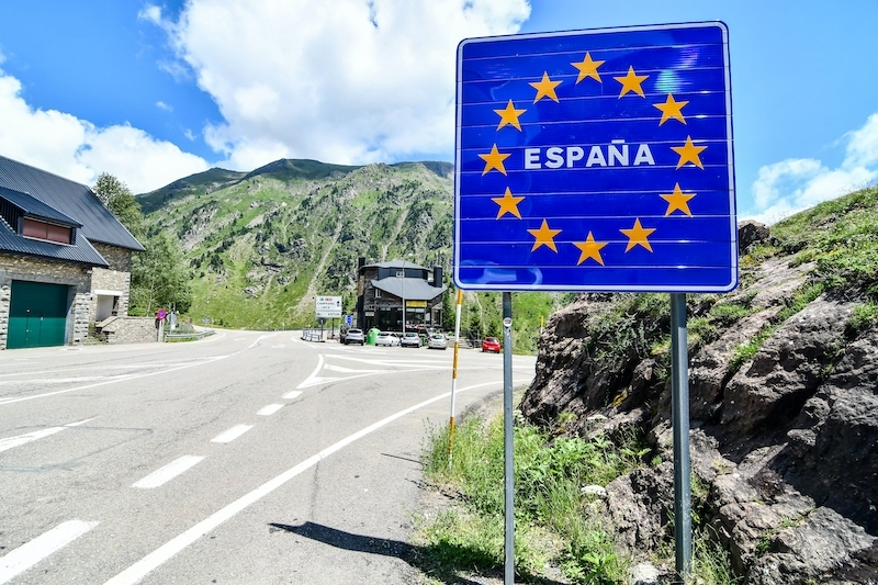 Sydkusten har bekräftat med spanska hälsovårdsdepartementet att PCR-kravet vid landgränsen endast omfattar de som härstammar från riskområden i Frankrike.