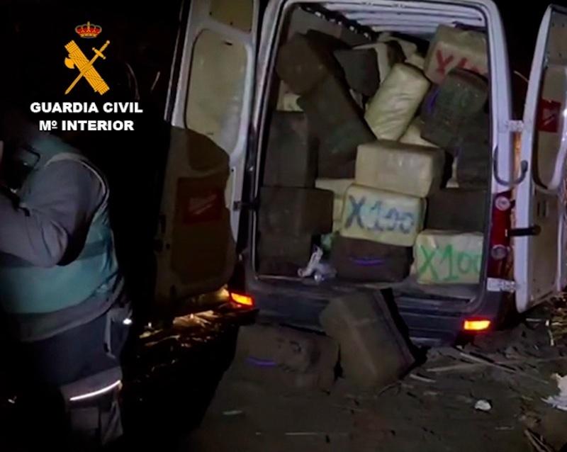 Polisen har sprängt en liga som smugglade in stora mängder droger till Spanien, för vidare transport till övriga Europa.  Foto: Guardia Civil