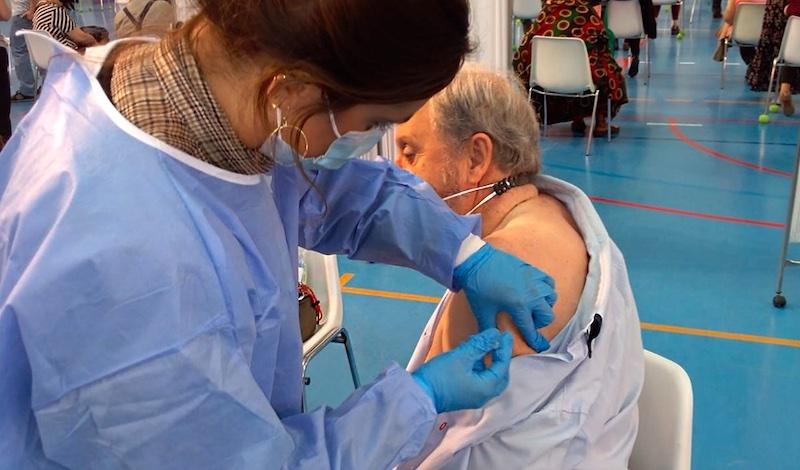 Personer mellan 70 och 79 år i Andalusien kommer att kallas via SMS till vaccinering, med början denna vecka. Foto: Junta de Andalucía