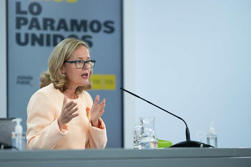 Finansministern Nadia Calviño hade annonserat i förväg sänkningen av tillväxtförväntningarna.