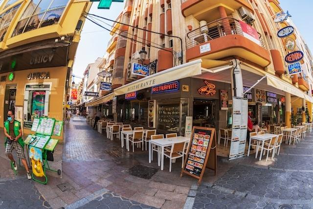 Det maximalt tillåtna antalet gäster per bord på barer och restauranger i Valenciaregionen utökas till sex personer.
