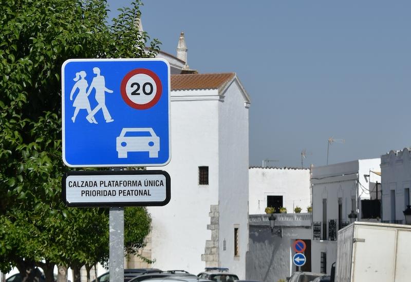 I november antogs en ny norm gällande hastighetsgränser inom tätort. Den 11 maj löper fristen för kommunerna ut och förändringarna måste vara genomförda.