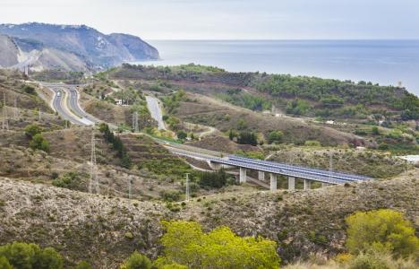 Motorvägen mellan Málaga och Nerja är en av sträckorna som kan komma att avgiftsbeläggas inom en relativt snar framtid.