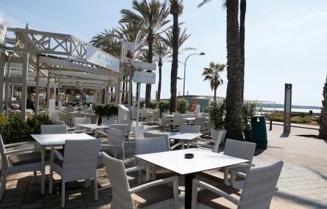 Barer och restauranger på Balearerna tillåts från och med 26 april hålla öppet till klockan 22.30, måndag till torsdag.