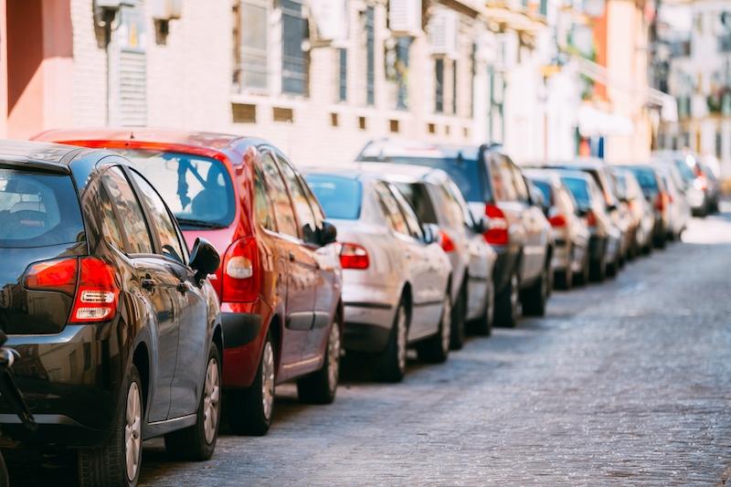 Nya regler innebär att de med större bilar kommer få betala mer i parkeringsavgift, än de med mindre fordon.