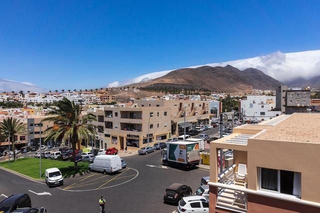 Ett flertal överträdelser av restriktionerna har registrerats i turistområden som Morro Jable, på Fuerteventura.