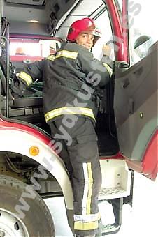 När brandlarmet går handlar det om sekunder innan Luciano och hans kollegor kastar sig i bilen och beger sig till olycksplatsen – oftast en bostadsbrand, en trafik eller arbetsplatsolycka.