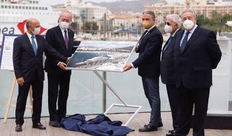 Francisco de la Torre och Elías Bendodo deltog i startceremonin för projektet för den nya lyxhamnen i Málaga stad. Foto: Junta de Andalucía