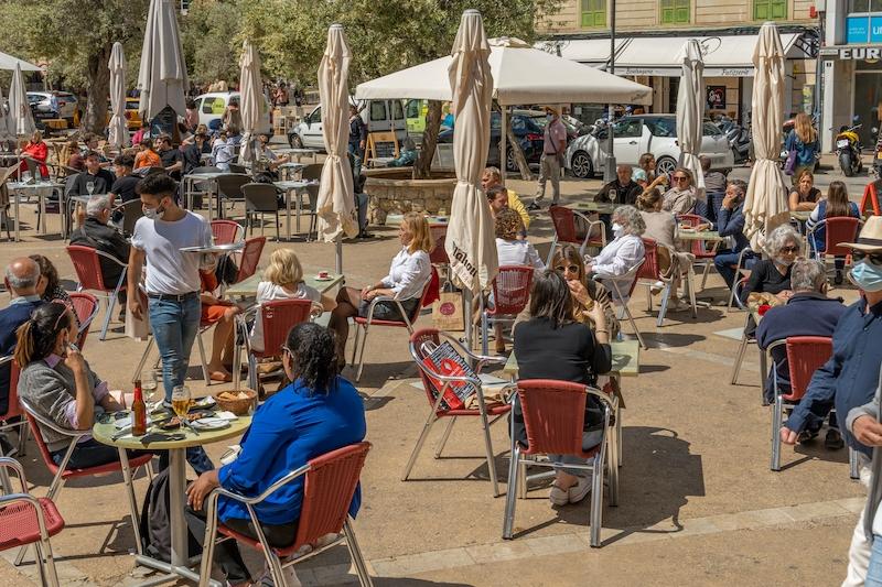 Regionalstyret på Balearerna har för avsikt att behålla de rådande restriktionerna, även efter att nödläget upphör 9 maj.