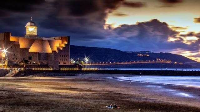 Regionalstyret på Kanarieöarna vill bibehålla utegångsförbudet nattetid.