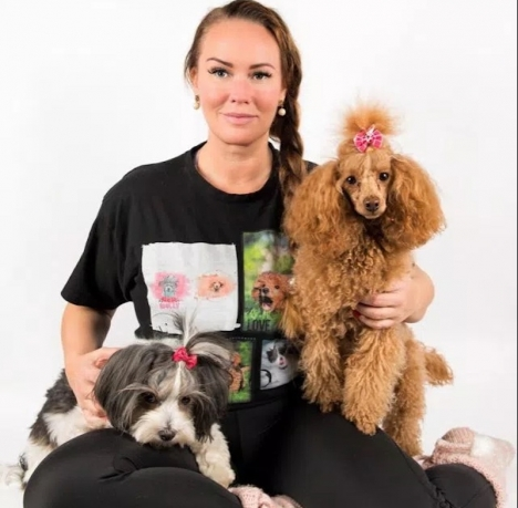Emma Thorsell är matte till skådespelarhunden Molly och till pudeln Bubbel. Mellan 7 och 11 juni arrangerar hon kurser med hundtränaren Sofia Angleby i Marbella.