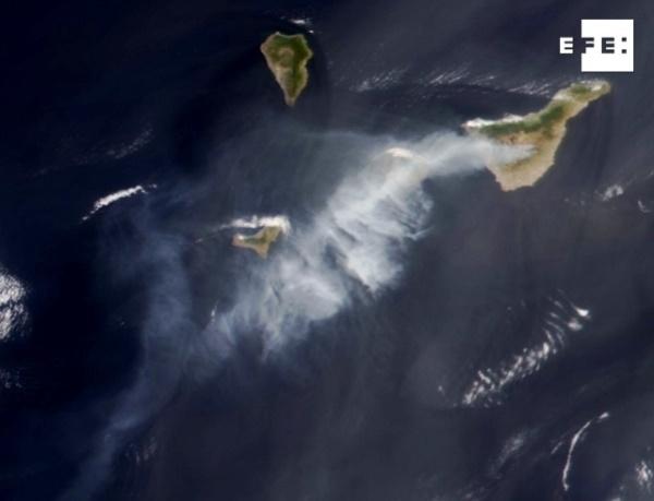 Brandröken på Tenerife kan skådas på satellitbilder. Foto: NASA