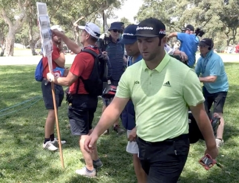 John Rahm var på god väg att för andra året i rad vinna den prestigefulla PGA-tävlingen The Memorial.
