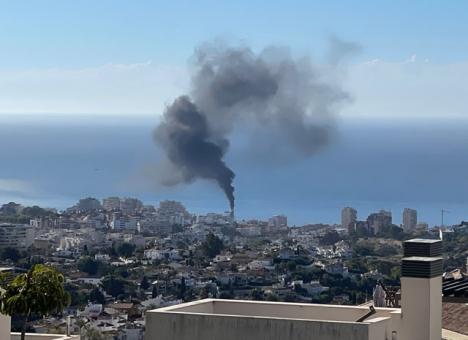 Brandröken kunde ses från långt håll. Foto: Kaj Stenman