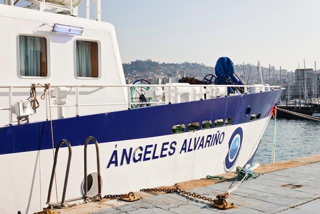 Besättningen på Ángeles Alvariño har mot alla odds lyckats finna bevis på tusen meters djup för att Tomás Gimeno dödat sina två döttrar Olivia och Anna.