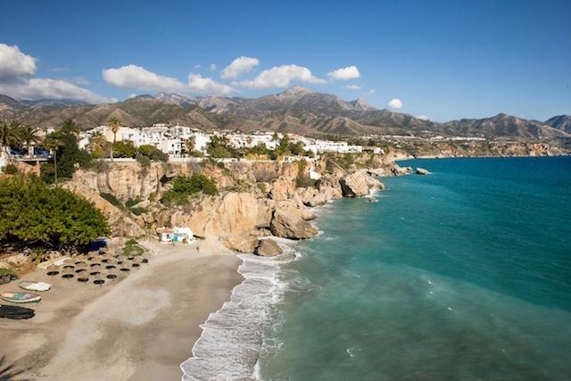 De nya begränsningarna omfattar orter som Nerja, i östra Málagaprovinsen.