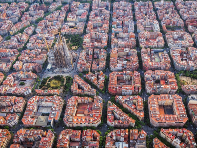 Barcelona kommun vill statuera exempel med dryga böter för att motverka diskriminering av migranter.