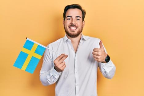 Som svensk uppfödd i Spanien jobbar bloggskribenten med mer eller mindre framgång på att ta tillvara på de bästa sidorna av varje kultur, i sitt kynne.