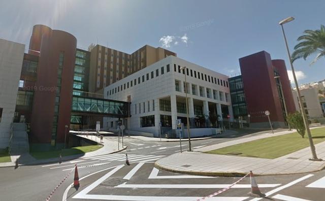 Läkarna kunder rädda barnet men mamman avled efter att ha legat tolv dagar på intensiven, på Hospital Insular på Gran Canaria. Foto: Google Maps
