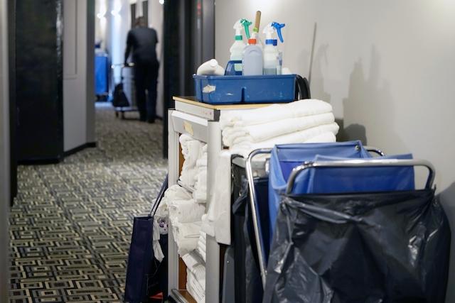 Hotellstäderskorna har bland de sämsta anställningsvillkoren i Spanien.