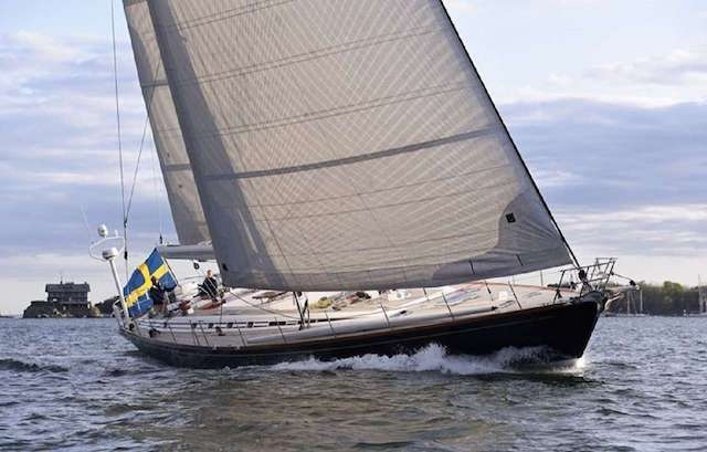 Segelfartyget Cygnus Montanus har en besättning på sex personer och annonseras för uthyrning.