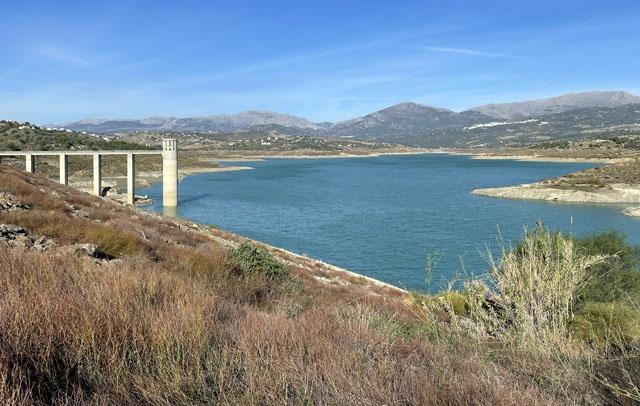 Olivodlingarna i Axarquíaområdet är de första att lida restriktioner när vattenbristen ökar.
