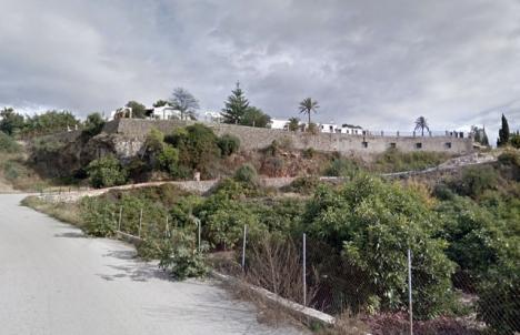 Olyckan inträffade vid en tomt nära ån Chíllar. Foto: Google Maps