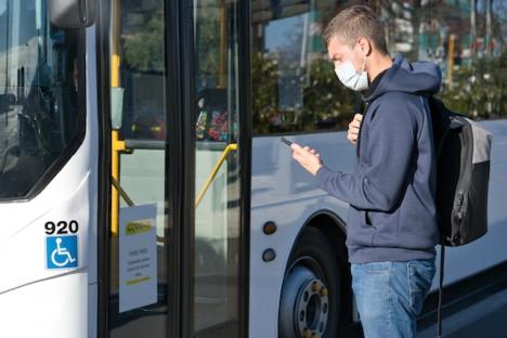 Påbudet på munskydd inomhus väntas bestå i Spanien ett tag till.