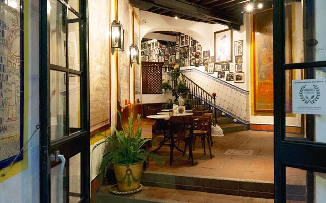 På ett sätt känns det som om El Pimpi funnits i århundraden i centrala Málaga, men verksamheten firar