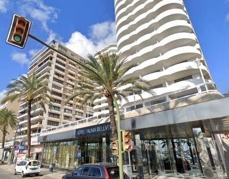 Nära 200 personer tvingades hålla karantän på Hotel Palma Bellver. Foto: Google Maps