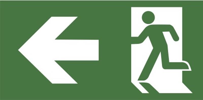 Nödutgångar, nödbelysning, utmärkta utrymningsvägar, brandsläckare och första hjälpen-skåp är nödvändig utrustning om man vill öppna kontor i Spanien. Annars riskerar man böter.