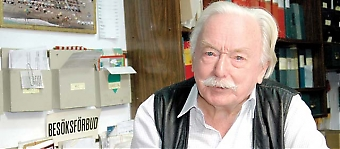Sydkusten har utsett Per-Egon Göransson till Årets Svensk på Costa del Sol 2006. Redan i slutet på 50-talet började han arbeta som reseledare och i Torremolinos fiskekvarter La Carihuela, där han fortfarande bor, blev han en levande institution inom branschen, under tilltalsnamnet