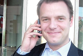 """""""Konkurrensen mellan mobiloperatörerna i Spanien är dålig, priserna höga och tjänsterna svåra att använda"""", säger Johan Andsjö, VD för nykomlingen Yoigo."""