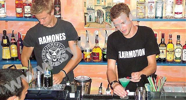 Barkurserna varar i två veckor och innehåller både teori i skolbänken och praktik ute på Fuengirolas barer. Förra årets drinkfavoriter var Mojito och Sex on the Beach.