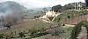 Vingården ligger på en karg bergstopp i Gaucín, Serranía de Ronda. Marken och omgivningarna har precis de rätta egenskaperna för att ge ifrån sig ett kvalitetsvin; höjden över havet med stora temperaturskillnader och närheten till kusten som sommartid för med sig en svalkande bris.