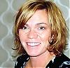 """Charlotta Rydholm åkte till Madrid 2000 för att, strax innan IT-bubblan sprack, ta fram designen för ett Internetbaserat försäkringsbolag. """"Där började den mest omvälvande tiden i mitt liv, jag flydde men vågade komma tillbaka till mig själv."""" Om sin förälskelse till staden, om panikartade, dråpliga och sorgliga ögonblick berättar hon i sin roman."""