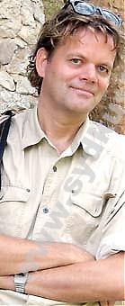 """Under 2009 kommer Spanienkännaren Thomas Gustafsson ut med en ny trilogi om Spanien. Den första om landets historia """"Spanien: En färd genom historien"""" släpps i början av 2009. """"Meningen var att jag skulle uppdatera """"Spanien – Sol och skugga"""" men jag insåg snabbt att jag hade så mycket material att det var lika bra att göra en ny bok, som sedan blev tre..."""""""
