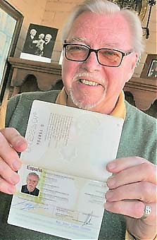 Olle Jacobsson fick sitt spanska pass 19 november 1980 efter att ha väntat nästan tre år på att ansökan skulle godkännas. �Jag var väldigt stolt, jag hade ju drömt om Spanien sedan jag var åtta år.�