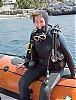 """Bets van Hal från Holland kom till Spanien för att gå på bröllop och passade på att ta dykcertifikat i La Herradura. """"Jag gillar det, men det är svårt och en konstig känsla att andas under vattnet. Sikten har inte varit så bra och nästa gång vill jag prova på att dyka i mer tropiska vatten."""" Foto: Lena Heubusch"""