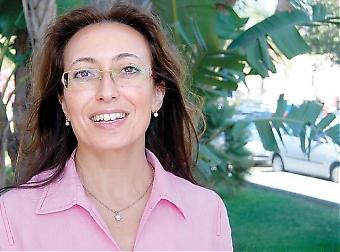 """Mariana Álvarez är jämställdhetsråd i Marbella. Hon beskriver dagens spanska kvinna som en """"fighter"""" med skinn på näsan och stor intelligens. Hon har dock inte samma möjlighet som mannen att utvecklas och machokulturen lever fortfarande kvar i väldigt hög grad."""