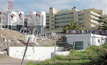 Andelen utlänningar på de spanska sjukhusen ökar. På Costa del Sol i Marbella är var fjärde patient utlänning. De spanska myndigheterna ser det dock inte som ett problem utan som en helt naturlig utveckling, dessutom lyfter de fram den spanska vården som en attraktionskraft i sig för att locka hit turister.
