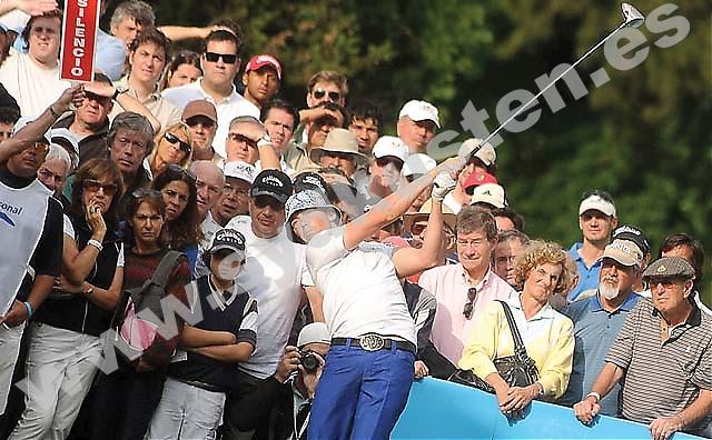 Peter Gustafsson var på vippen att vinna Open de España 2005 och kom tvåa efter Sergio García i en annan tävling i Schweiz. Skador hämmade hans framgångar men nu är han återställd och siktar på den absoluta golfeliten.