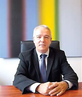 Rätten till en god förvaltning är numera lagstadgad och Francisco Gutiérrez, Ombudsman i Málaga, uppmanar folk att kräva att bli behandlad på rätt sätt både när det gäller effektivitet och bemötande.